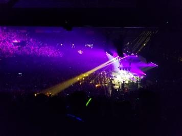 phish-lights-yellow-beam